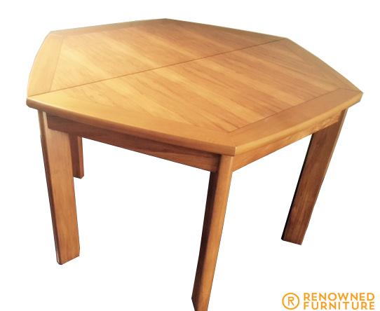 rimu table